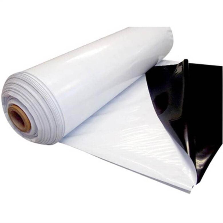 imagem de manta asfáltica branca com fundo preto